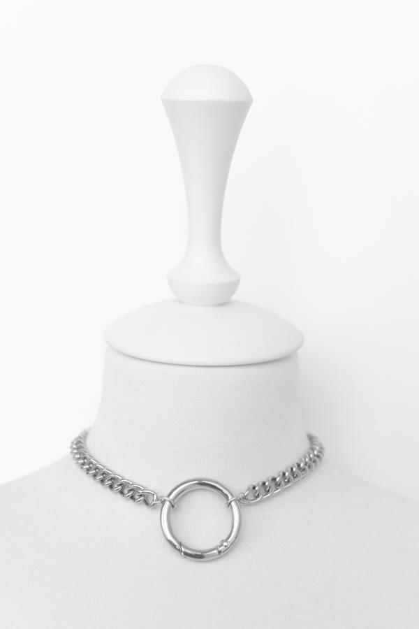 Чокер-цепь с большим кольцом