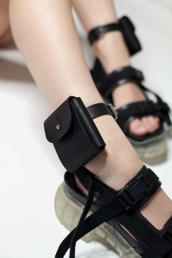 2 кармашка на ноги